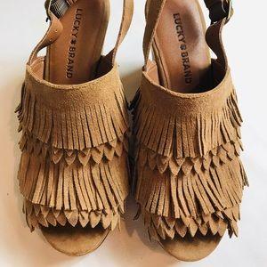 Lucky Brand boho tan fringe platform shoes 6 1/2